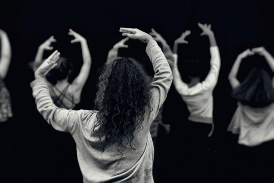 É Difícil Para Mim Dançar