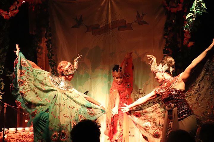 Música e Performances de Dança Indonésia
