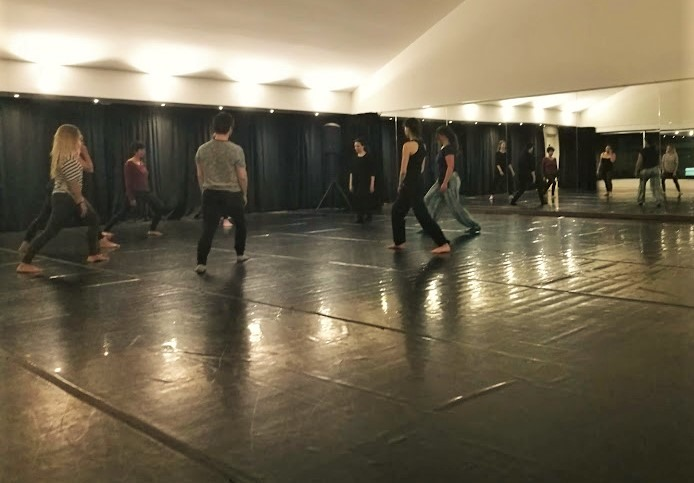 Pensado para adultos. Workshop de dança