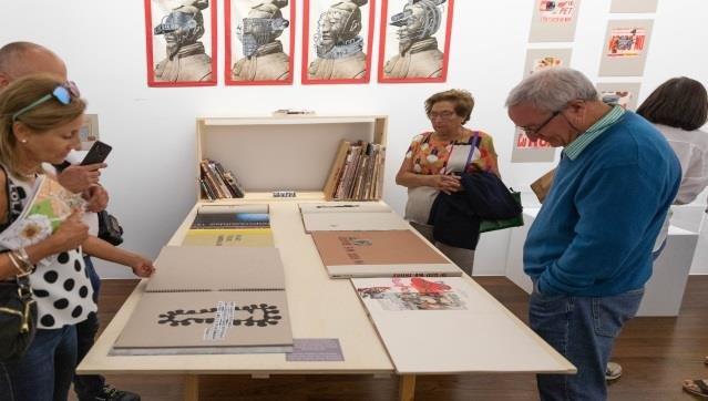 Visita guiada à exposição 'Fahrenheit, a consagração de Babel', de Luis Costillo