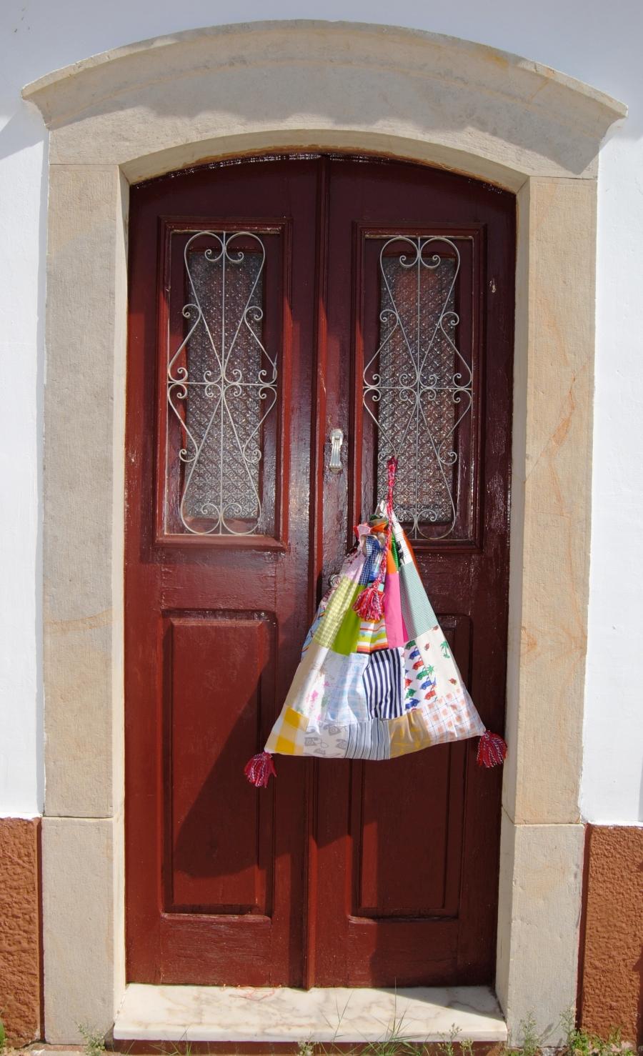 Bolsas de retalhos à porta