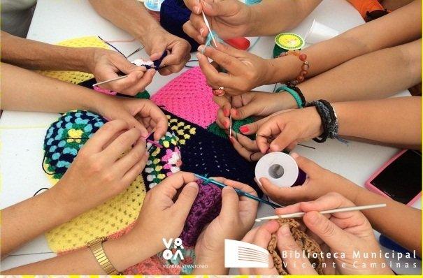 Malha de letras: tricotando histórias