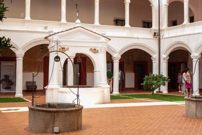 Visitas guiadas al Convento de Santa Ana de la mano de Amigos de Badajoz