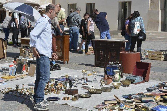 Rastro de artesanía y antigüedades