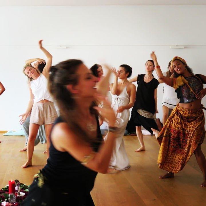 Acordando a Confiança - Dança Alquímica do Chakra da Raíz