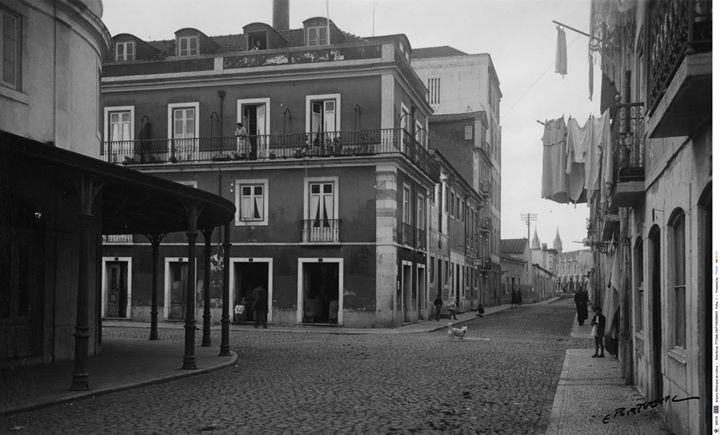 Belém: Demolir para Encenar
