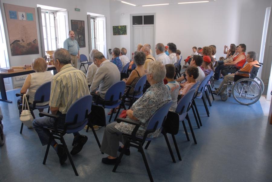Histórias de Fio a Pavio: Leituras partilhadas para séniores
