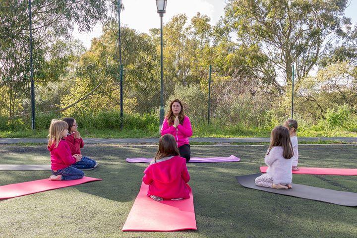 Aula Aberta Yoga Kids - Estoril