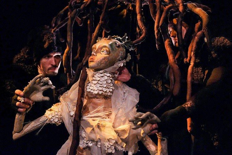 'AURORA' pelo Teatro e e Marionetas de Mandrágora