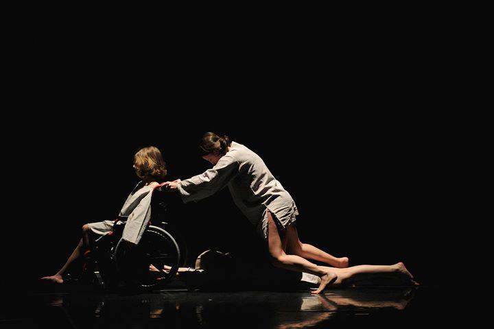 Fórum de Dança Inclusiva // Grupo Dançando com a Diferença