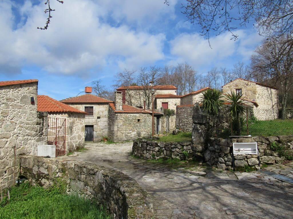 Caminhando em Aldeias Mágicas de Portugal