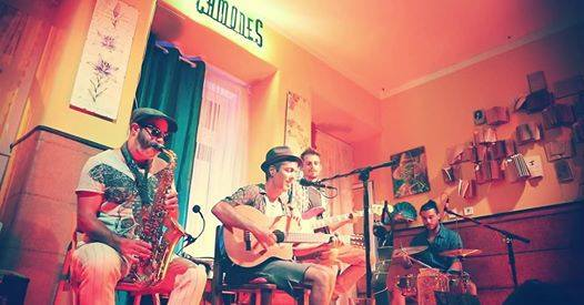G combo live at Camones