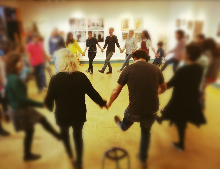 Oficina de Danças Tradicionais Europeias
