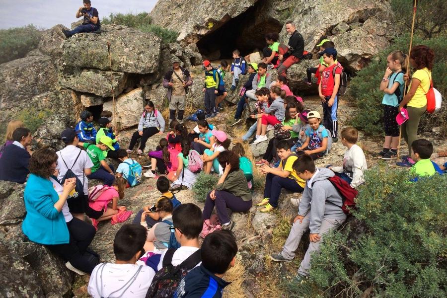 Taller y ruta a las pinturas rupestres de Santa Catalina