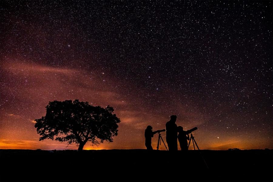 """Astroturismo """"Entre dehesas y estrellas"""""""