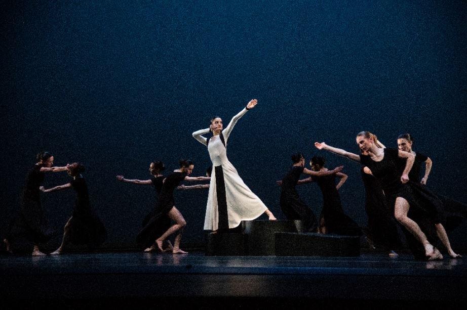 Companhia Nacional de Bailado - Dançar em tempo de guerra