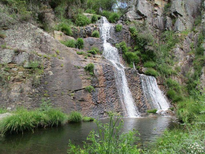 Caminhando na Rota das Cascatas e Passadiços do Penedo Furado