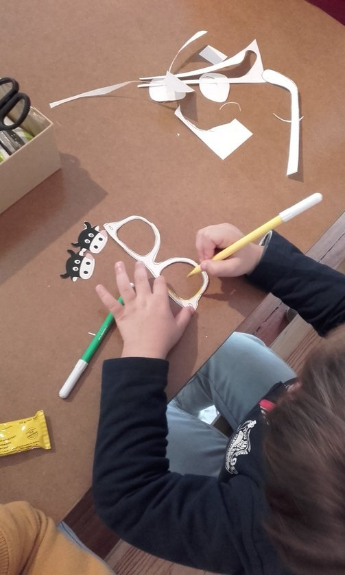 Atelier Educativo 'Construção de Óculos'