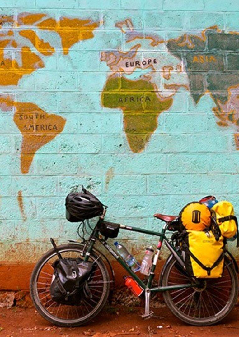 """Exposição de fotografia """"O Mundo em Bicicleta', de Tânia Muxima"""