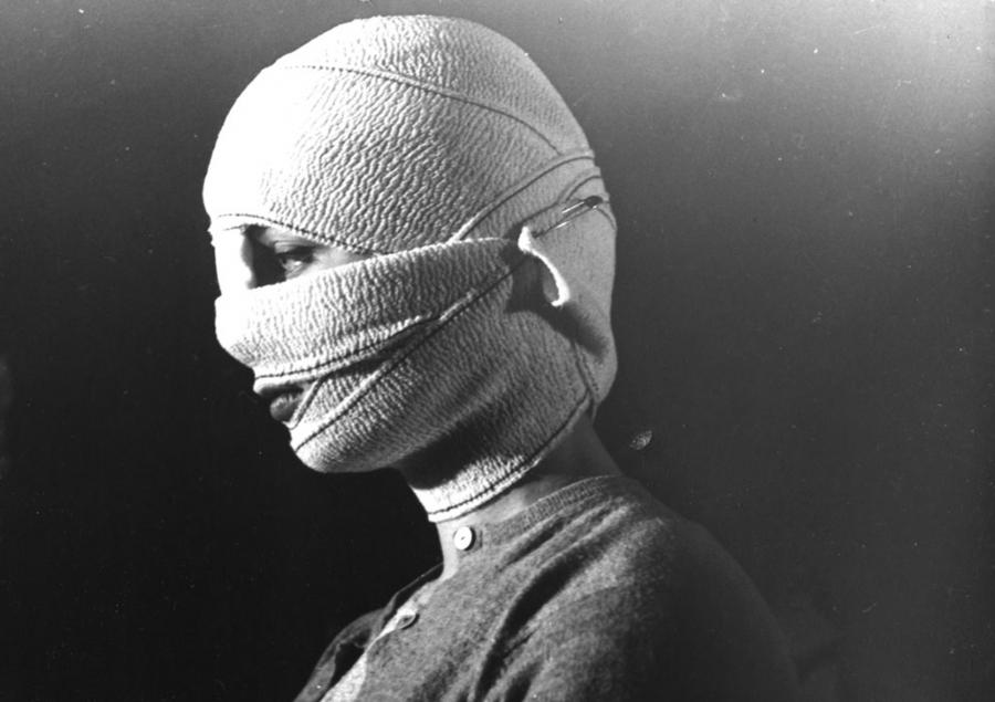 Olhos Sem Rosto — Sessões Especiais Terror e Piedade (programação suspensa)
