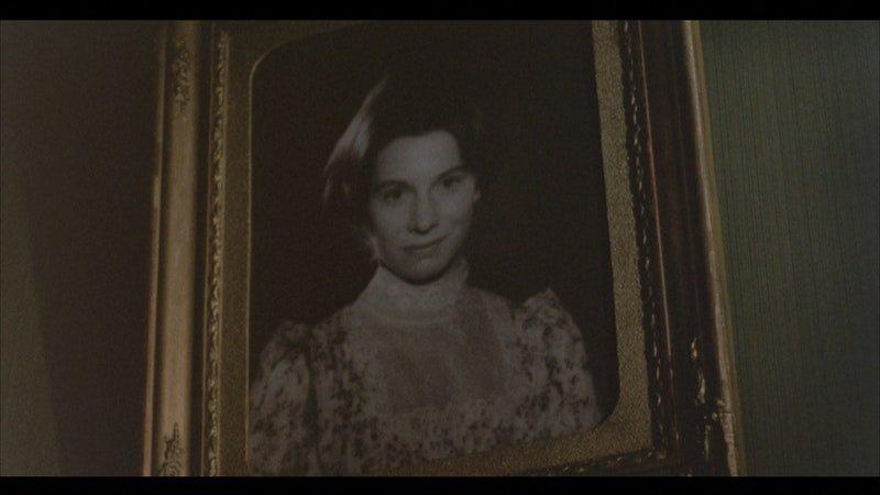 Cinza |Benilde ou a Virgem-Mãe