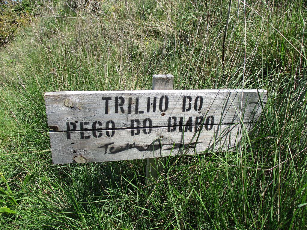 Caminhando nos Trilhos da Serra de Monfirre