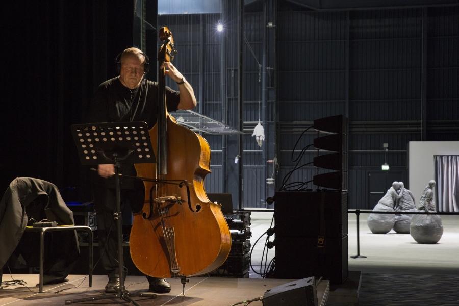 "Quarteto Lopes-Graça [ADIADO]                                 ""A Man in a Room, Gambling"", de Gavin Bryars e Juan Muñoz"