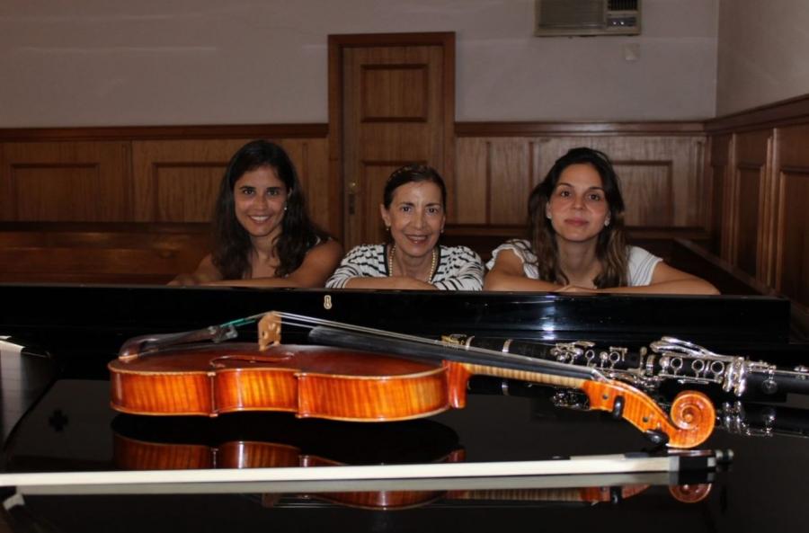 Novos Talentos - Novitatis Trio - Isabel Ferreira (clarinete), Joana Fonseca (viola d'arco) & Eugénio Moura (piano)