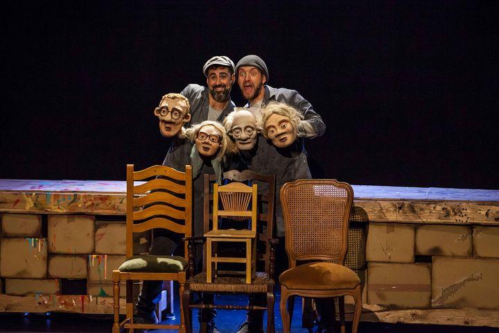 JUEGO DE SILLAS, Teatro Familiar