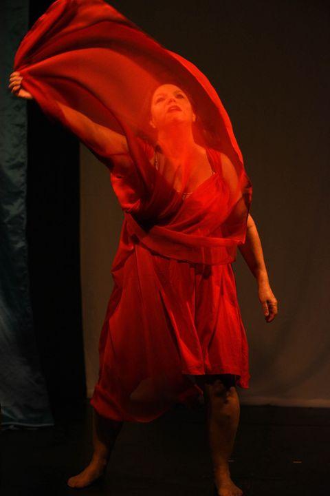ISADORA, teatro, danza y multimedia