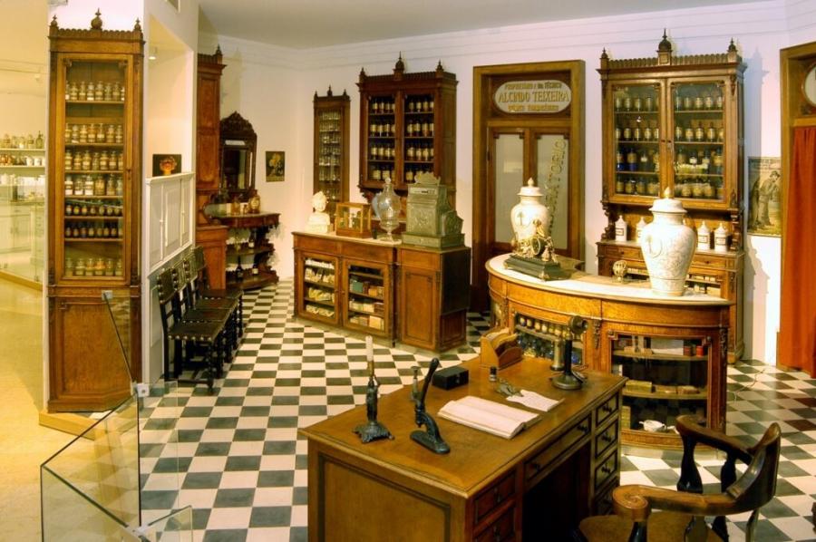 Visitas guiadas virtuais ao Museu da Farmácia
