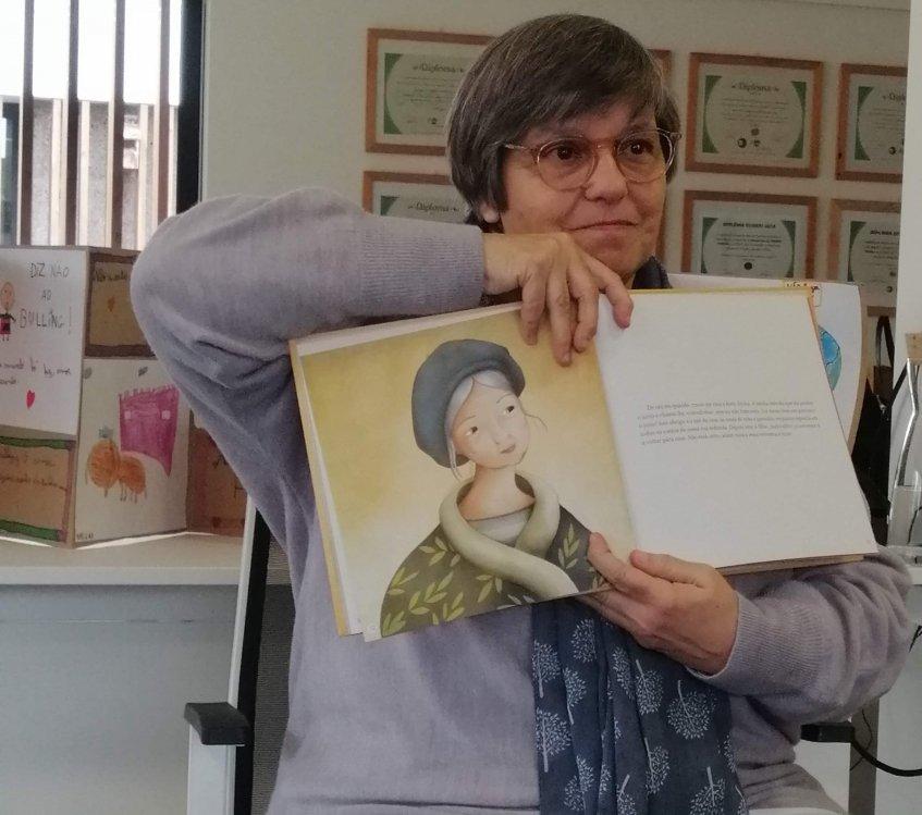 Vamos falar com… a escritora Margarida Fonseca Santos