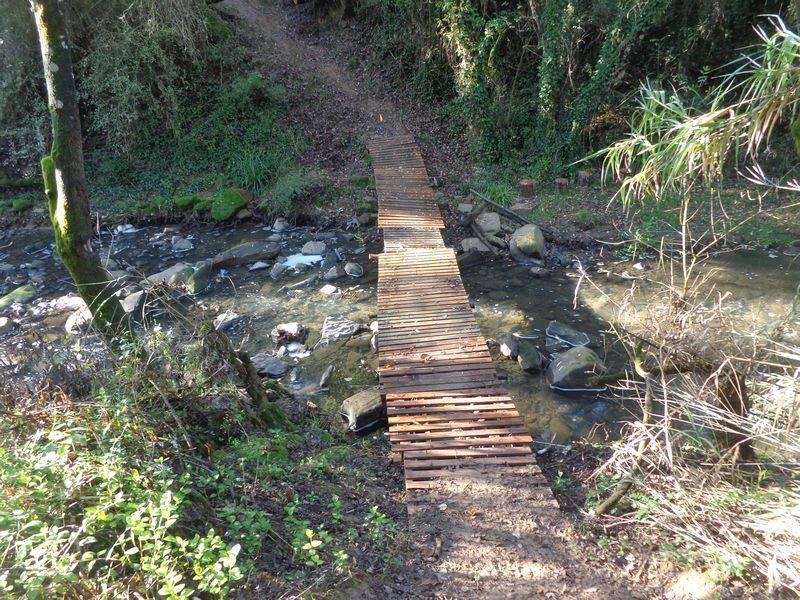 Caminhando no Vale das Cachoeiras