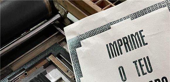 """Oficina itinerante """"Imprime o teu Quadrado?"""" Oficina de Prelo Tipográfico"""