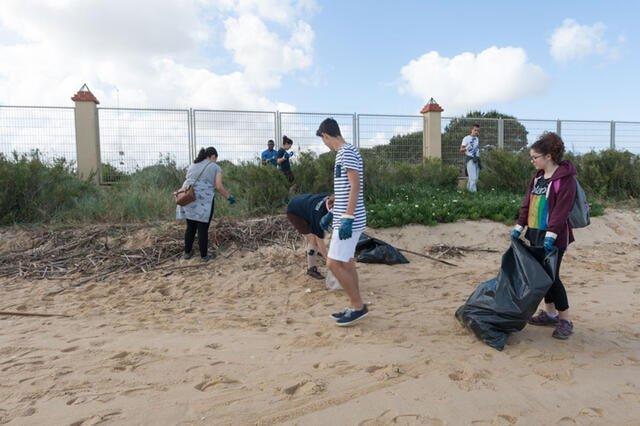 Ação de Limpeza - Praia da Trindade