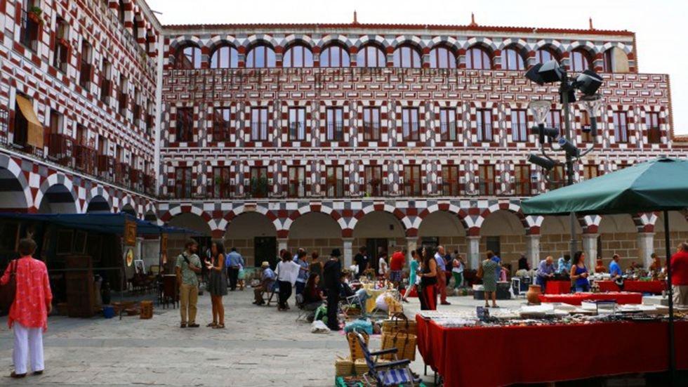 Rastro de Antigüedades y Artesanía en el Centro de Badajoz