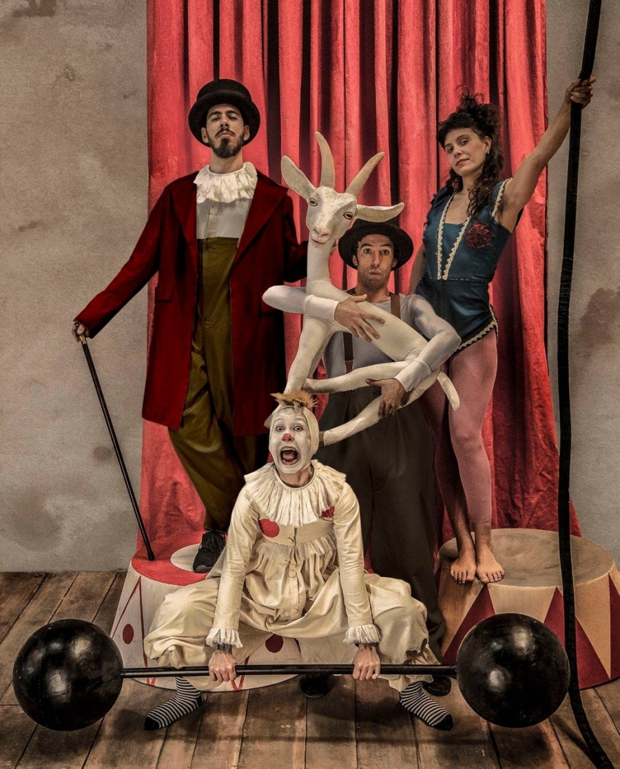 "Teatro familiar: ""Acróbata y Arlequín"""