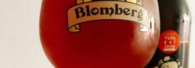 Mujeres Bravas y Cerveza Blomberg.