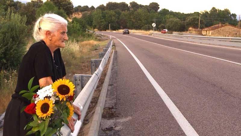 Proyección El SILENCIO DE OTROS (Almudena Carracedo y Robert Bahar, España)