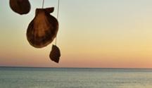 De Crise em Crise: Aventuras de um DJ Português na Grécia